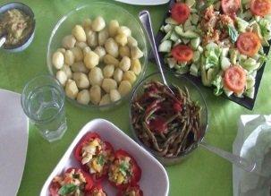 Manger cru et vegan : la seule façon de convaincre votre entourage !