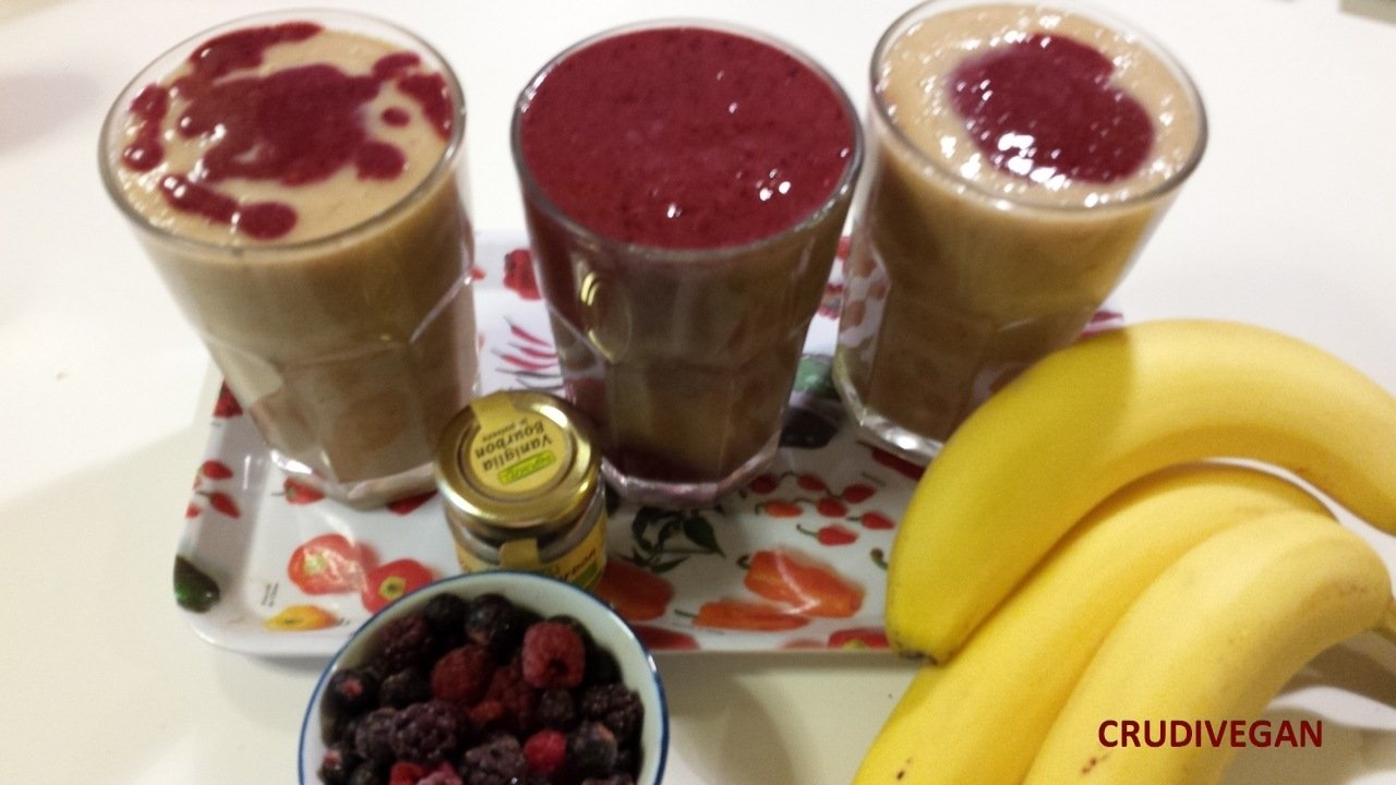 SMOOTHIE BANANES ET FRUITS ROUGES