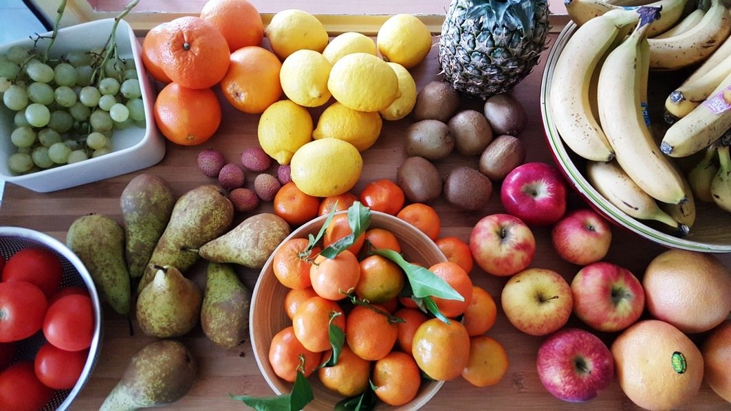 fruits sur le comptoir