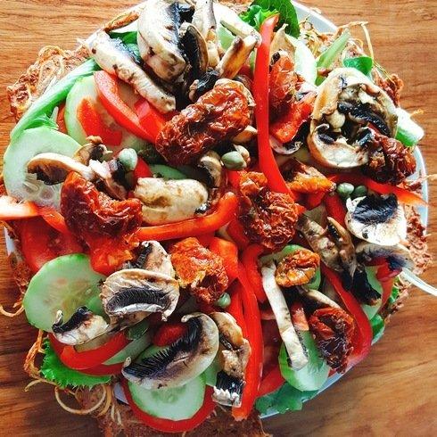 pizza crue champignons marinés