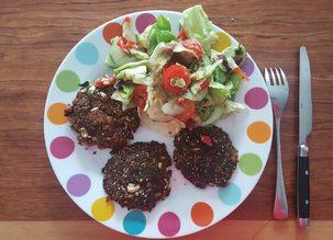 Burger végétal et sa salade d'accompagnement – Comment utiliser les pulpes de légumes